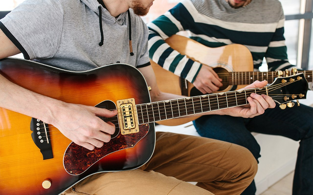 Online Group Guitar Lessons